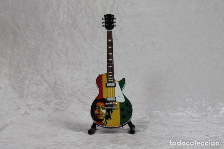 MINI GUITARRA DE BOB MARLEY (Música - Instrumentos Musicales - Guitarras Antiguas)