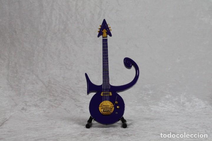 MINI GUITARRA DE PRINCE (Música - Instrumentos Musicales - Guitarras Antiguas)