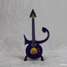 Instrumentos musicales: MINI GUITARRA DE PRINCE. Lote 208727492
