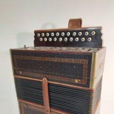 Instrumentos musicales: ANTIGUO ACORDEÓN MARCA HOHNER. Lote 210183483