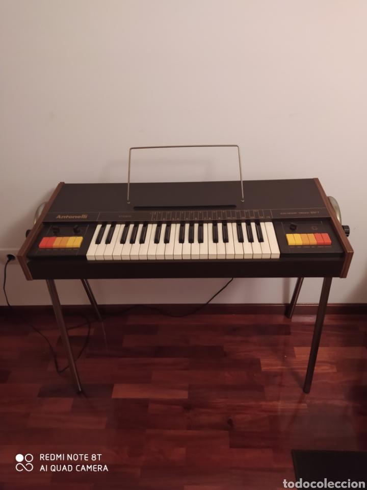 Instrumentos musicales: Órgano eléctrico 2377 Antonelli Studio. - Foto 2 - 210350483