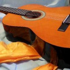 Instrumentos musicales: GUITARRA CLÁSICA. TAMAÑO 4/4. BUEN ESTADO GENERAL. ORIGEN ITALIANO.. Lote 210408223