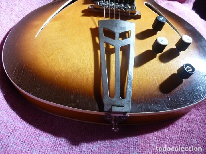 Instrumentos musicales: Guitarra jazz eléctrica Defil - Foto 3 - 210640584