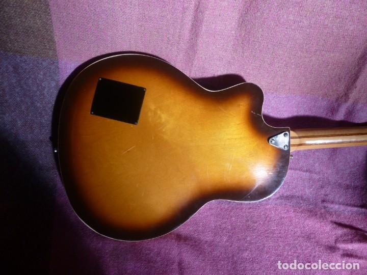 Instrumentos musicales: Guitarra jazz eléctrica Defil - Foto 4 - 210640584