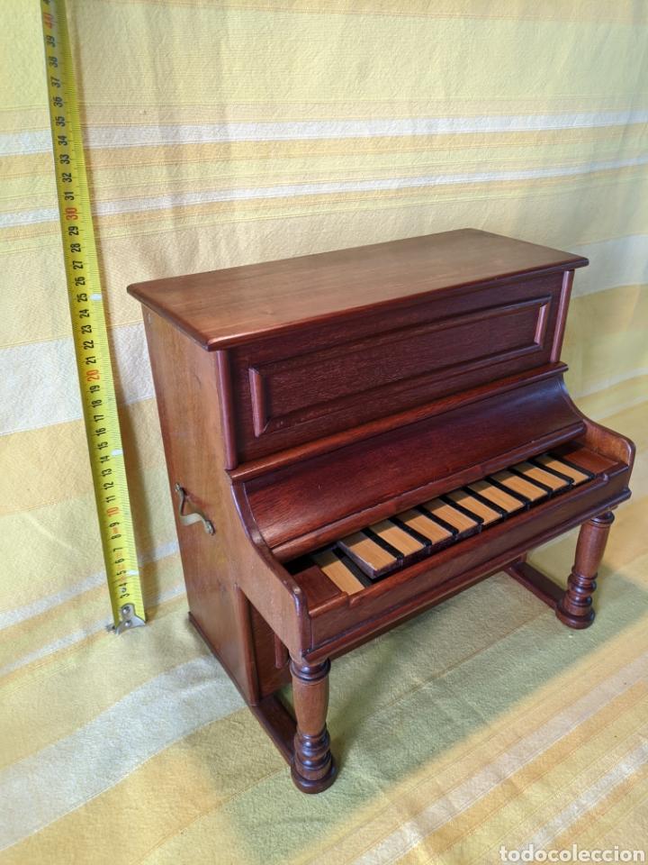 Instrumentos musicales: Piano pequeño - Foto 2 - 210656619
