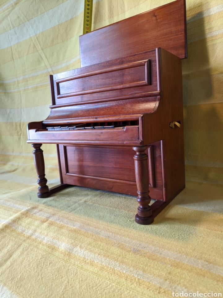 Instrumentos musicales: Piano pequeño - Foto 4 - 210656619