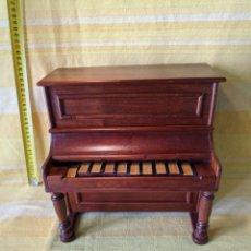 Instrumentos musicales: PIANO PEQUEÑO. Lote 210656619