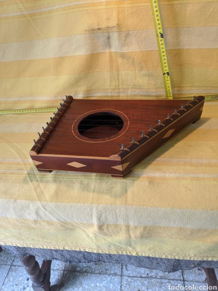 Instrumentos musicales: Caja arpa de caoba - Foto 3 - 210659451