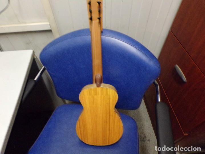 Instrumentos musicales: guitarra española pequeña - Foto 4 - 210818871