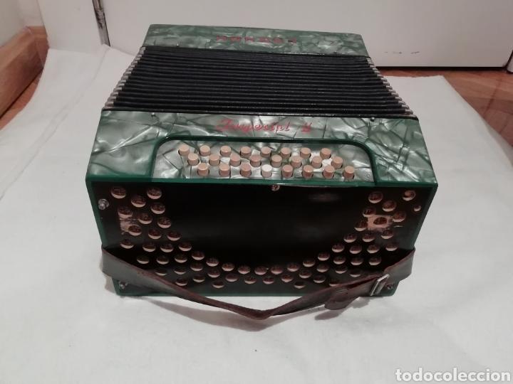Instrumentos musicales: Acordeón Hohner Imperial II - Foto 3 - 211569610