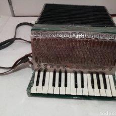 Instrumentos musicales: ACORDEÓN HOHNER IMPERIAL II. Lote 211569610