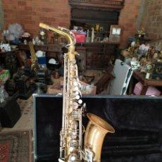 Instrumentos musicales: ANTIGUO SAXOFÓN EN ESTUCHE. Lote 211580370