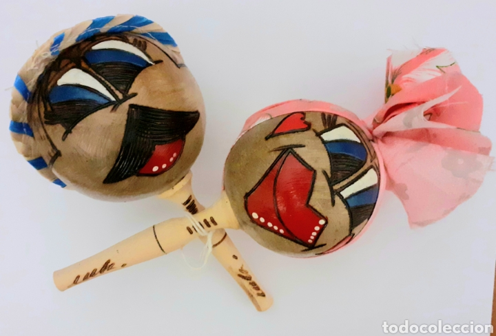ORIGINALES MARACAS DE CUBA PINTADAS Y HECHAS A MANO COMO MUÑECOS CON SOMBREROS CUBANOS, VINTAGE. (Música - Instrumentos Musicales - Percusión)