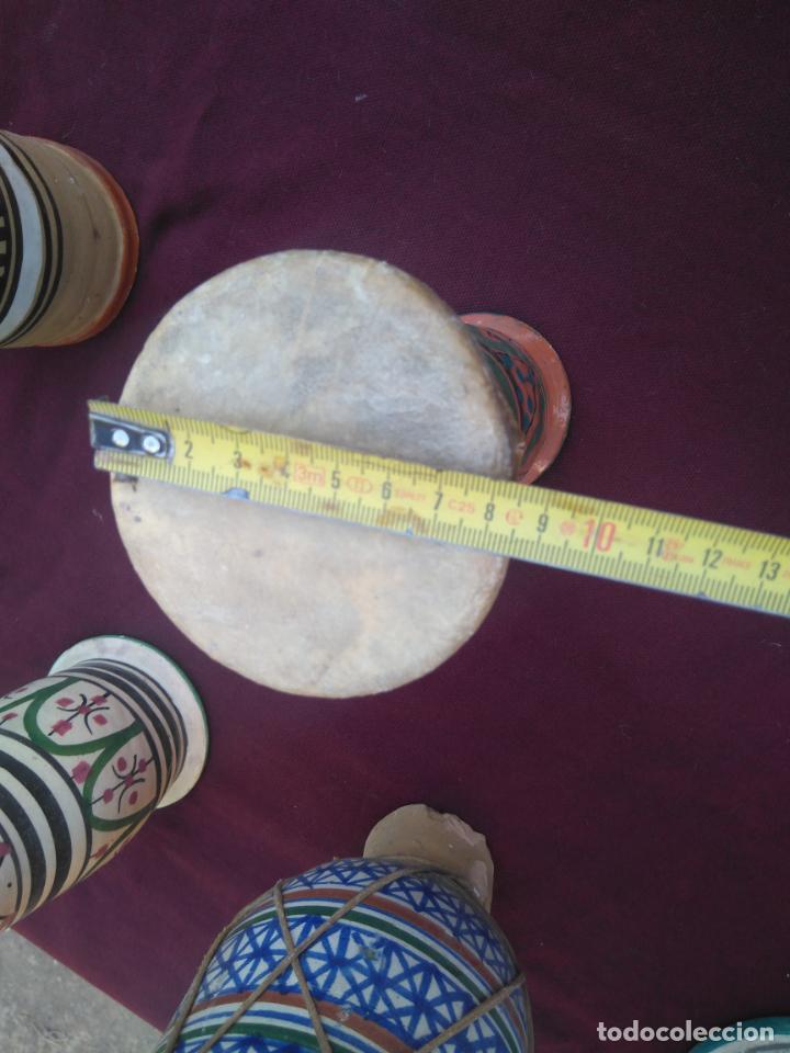 Instrumentos musicales: LOTE DE 6 ANTIGUOS BONGOS DE CERAMICA DECORADA Y PIEL DE CABRA - Foto 20 - 212069978