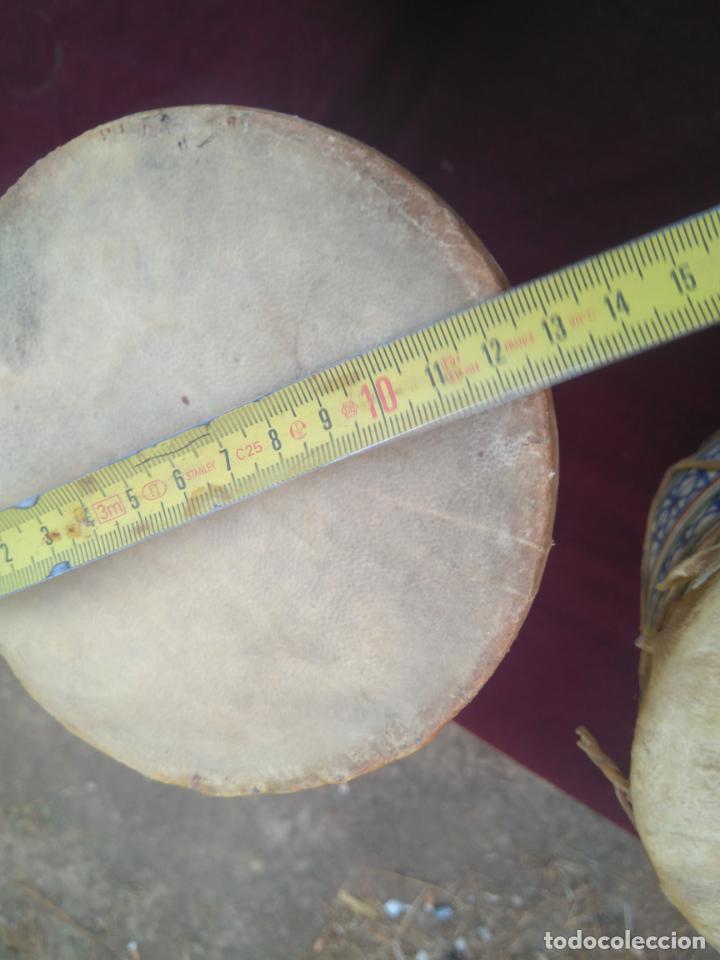 Instrumentos musicales: LOTE DE 6 ANTIGUOS BONGOS DE CERAMICA DECORADA Y PIEL DE CABRA - Foto 22 - 212069978