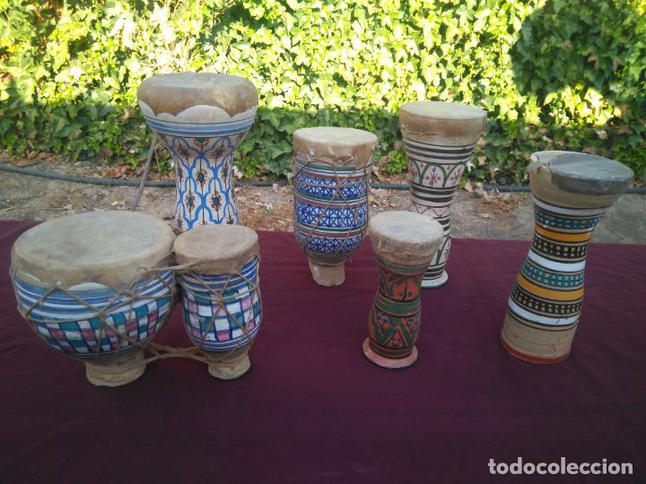 LOTE DE 6 ANTIGUOS BONGOS DE CERAMICA DECORADA Y PIEL DE CABRA (Música - Instrumentos Musicales - Percusión)