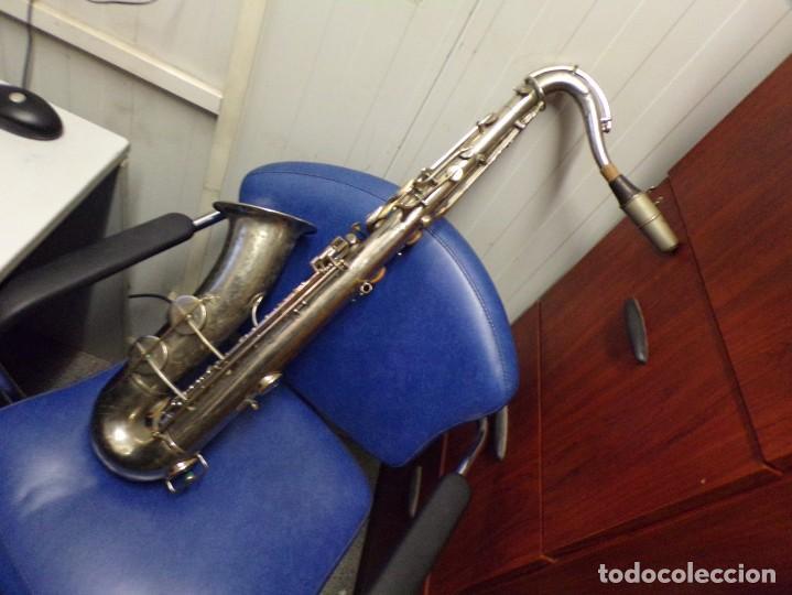 MALETA TERCIOPELO CON ANTIGUO SAXO SAXOFON UNIC SIMPLEX LYON PARIS, VITORIA (Música - Instrumentos Musicales - Viento Metal)