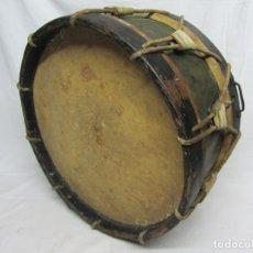 Instrumentos musicales: TAMBOR EN PIEL DE CORDERO, MADERA Y CUERDA DEL SIGLO XIX. Lote 213695205