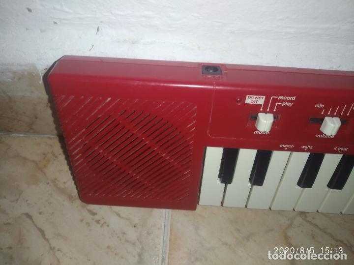 Instrumentos musicales: Piano órgano teclado Casio pt 10 rojo - Foto 2 - 213778058