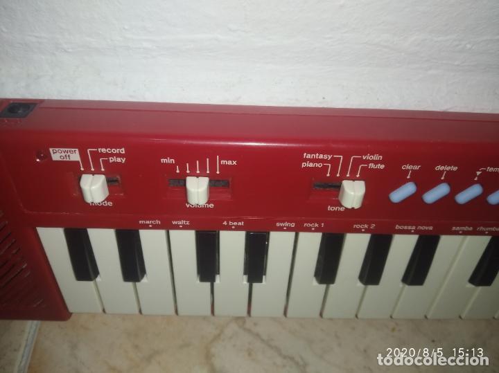 Instrumentos musicales: Piano órgano teclado Casio pt 10 rojo - Foto 3 - 213778058