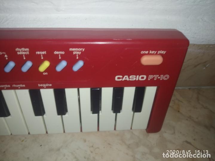 Instrumentos musicales: Piano órgano teclado Casio pt 10 rojo - Foto 4 - 213778058