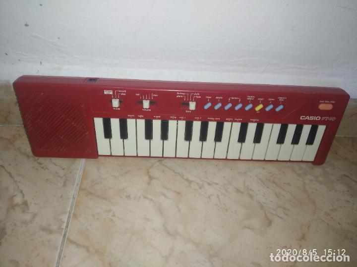 PIANO ÓRGANO TECLADO CASIO PT 10 ROJO (Música - Instrumentos Musicales - Pianos Antiguos)