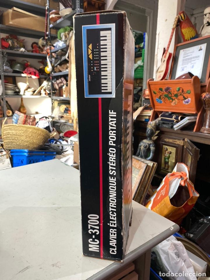 Instrumentos musicales: Piano antiguo en su caja original. Ver fotos - Foto 8 - 213827653