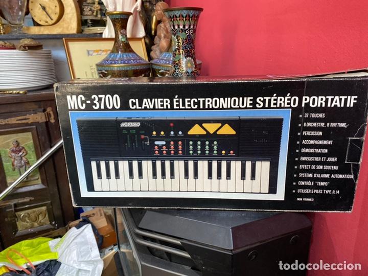 PIANO ANTIGUO EN SU CAJA ORIGINAL. VER FOTOS (Música - Instrumentos Musicales - Pianos Antiguos)