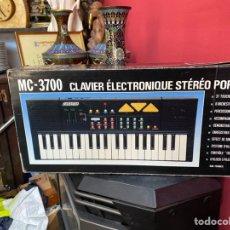 Instrumentos musicales: PIANO ANTIGUO EN SU CAJA ORIGINAL. VER FOTOS. Lote 213827653