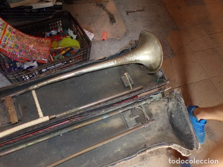 Instrumentos musicales: antiguo trombon de varas marcado lerida - Foto 2 - 214332958