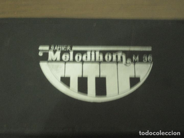 Instrumentos musicales: Samick melodihorn m36 con estuche - Foto 3 - 214485380