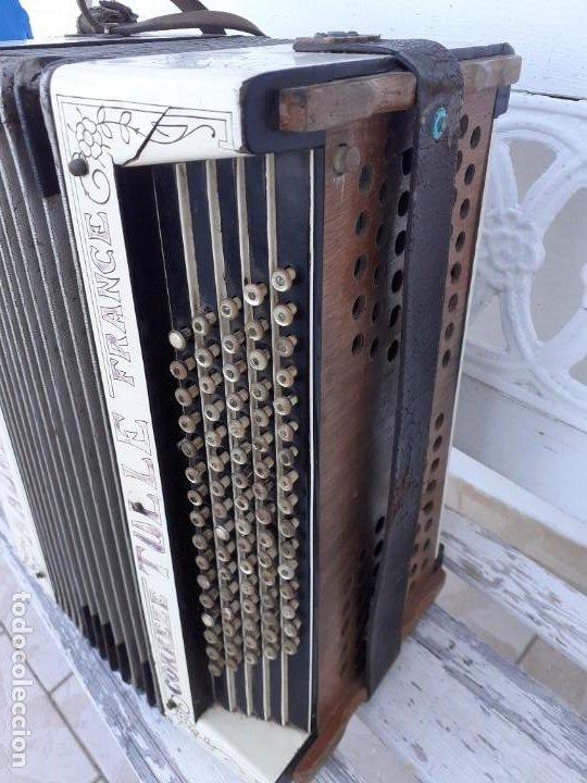 Instrumentos musicales: Acordeón Maugein Freres - Foto 2 - 214933686