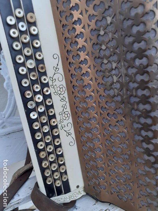 Instrumentos musicales: Acordeón Maugein Freres - Foto 8 - 214933686