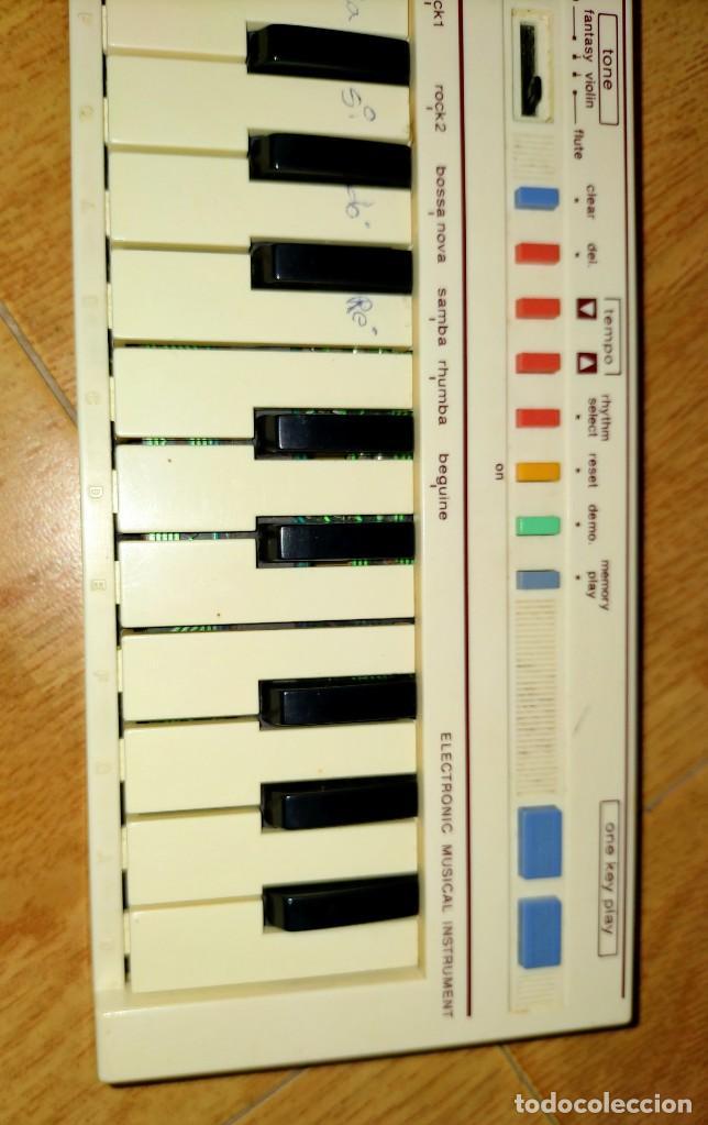 Instrumentos musicales: Teclado PT1 Casio - Foto 5 - 216389780