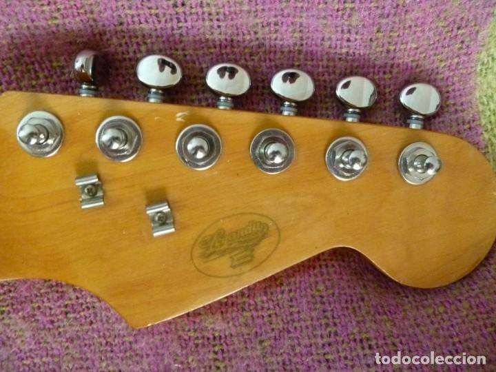 Instrumentos musicales: Guitarra elec. de los 70 leyanda - Foto 4 - 216599776