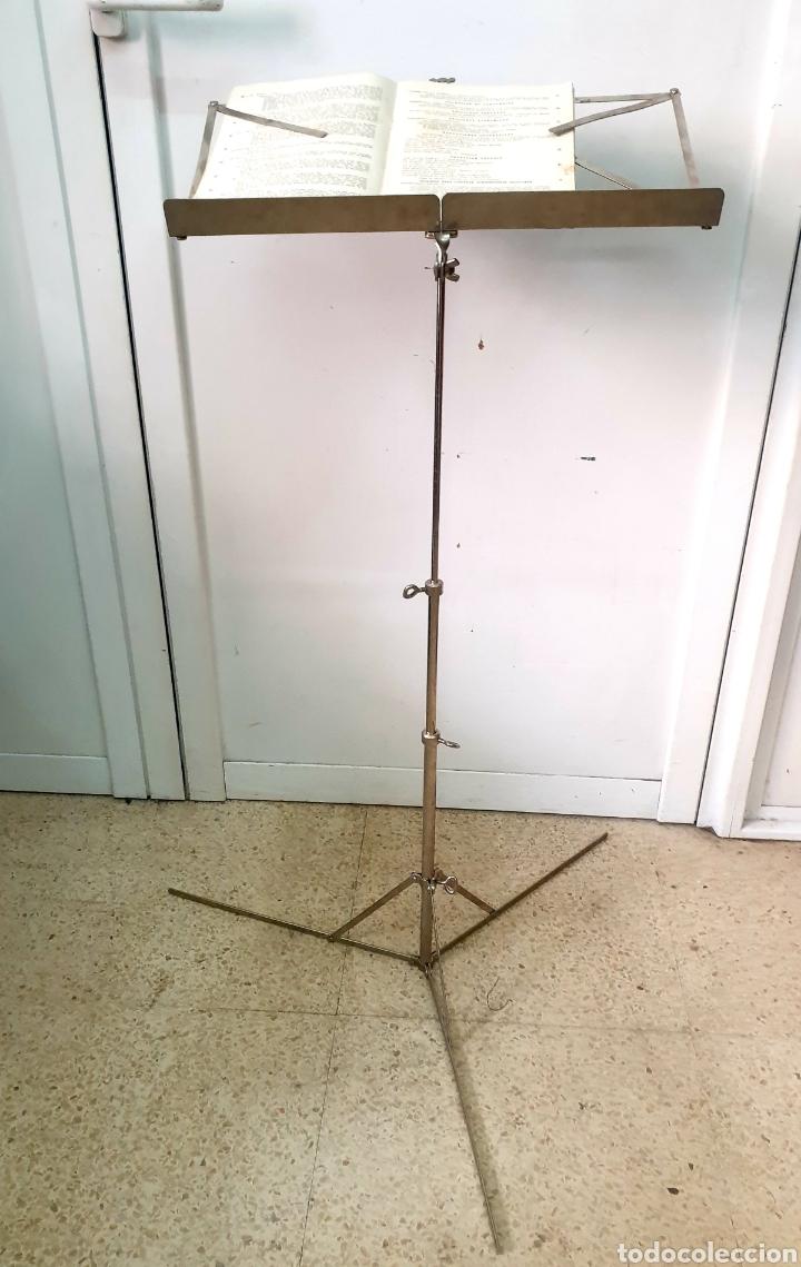 Instrumentos musicales: Atril de música - Foto 4 - 216969571