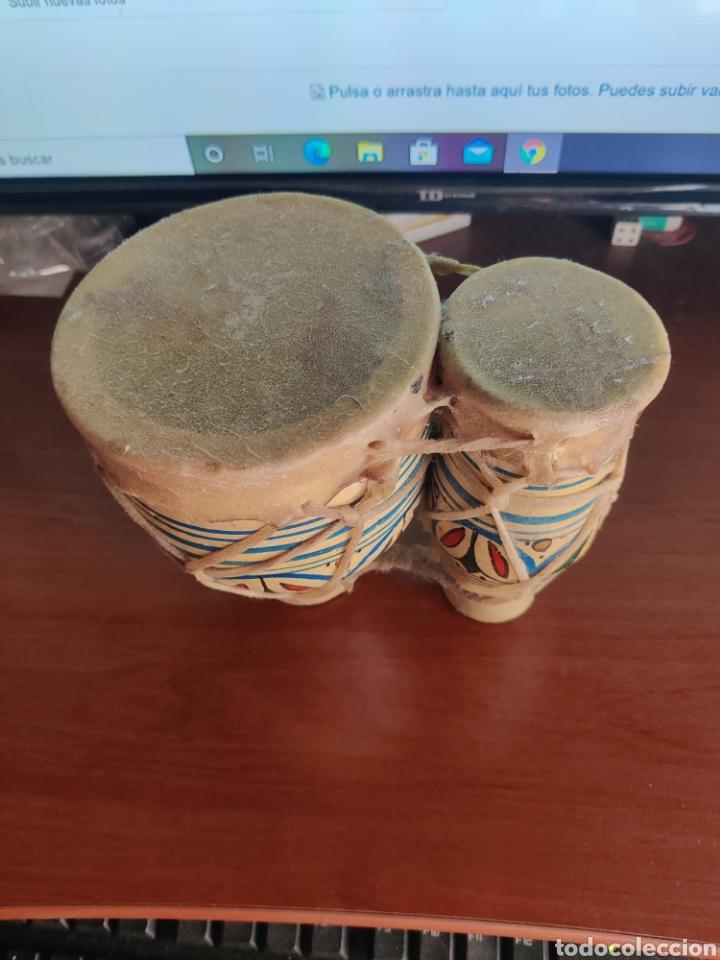 Instrumentos musicales: Bongos de arcilla barro y piel - Foto 2 - 217094736