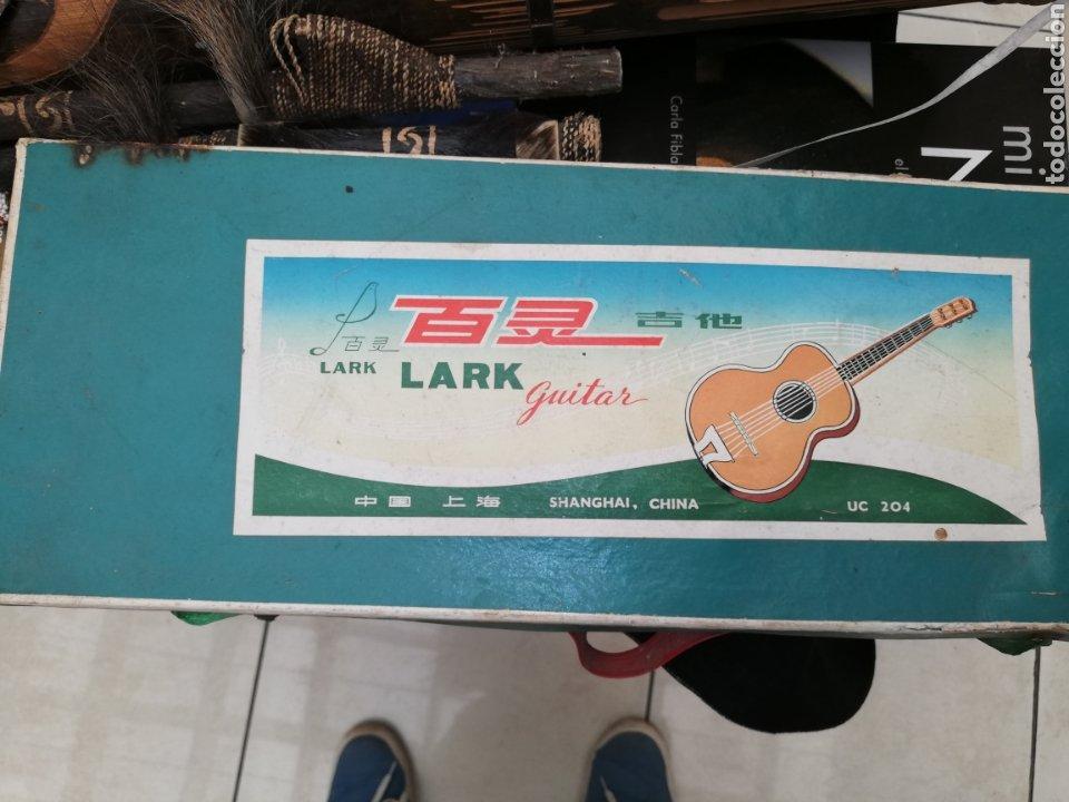 Instrumentos musicales: Antigua Guitarra chiná de niños de los 60 en su caja - Foto 4 - 218214892