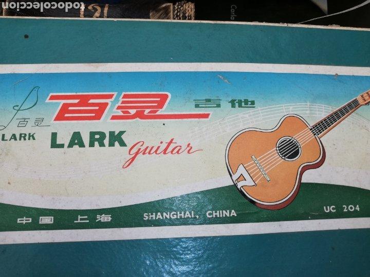 Instrumentos musicales: Antigua Guitarra chiná de niños de los 60 en su caja - Foto 5 - 218214892