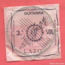 Instrumentos musicales: CUERDA PARA GUITARRA 3ª SOL, LAZO EN SU SOBRE ORIGINAL, VER FOTOS. Lote 218269837