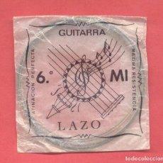 Instrumentos musicales: CUERDA PARA GUITARRA 6ª MI, LAZO EN SU SOBRE ORIGINAL, VER FOTOS. Lote 218269956