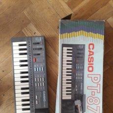 Instruments Musicaux: CASIO PT-87 CON CAJA NO FUNCIONA NA CORRECTAMENTE. LO ENCENDÍ Y EL AUDIO NO ES CORRECTO. Lote 218372205