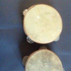 Instrumentos musicales: PANDERETAS DE MADERA Y PIEL. UNA DE ELLAS CON SONAJAS DOBLES. ARTESANALES. Lote 218415973