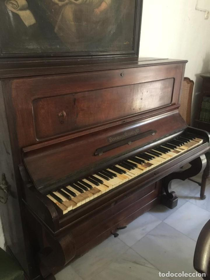Instrumentos musicales: Piano vertical antiguo Bernareggi - Foto 2 - 218661977