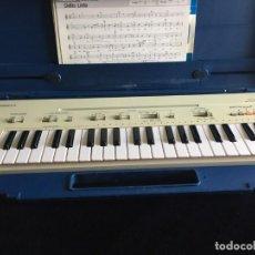Instrumentos musicales: VINTAGE ORGANO YAMAHA PORTA SOUND PC-50 PLAY CARD KEYBOARD. Lote 219245331