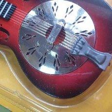 Instrumentos musicales: GUITARRA-COLECCIONISTA-MARK KNOPFLER-TAMAÑO-VER FOTOS-COLECCIONABLE-SALVAT-CLASICO-SIN FASCICULO. Lote 219409437