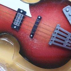 Instrumentos musicales: GUITARRA-COLECCIONISTA-PAUL MCCARTNEY-TAMAÑO-VER FOTOS-COLECCIONABLE-SALVAT-CLASICO-SIN FASCICULO. Lote 219410325