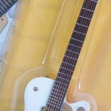 Instrumentos musicales: GUITARRA-COLECCIONISTA-NEIL YOUNG-TAMAÑO-VER FOTOS-COLECCIONABLE-SALVAT-CLASICO-CON FASCICULO. Lote 219960802