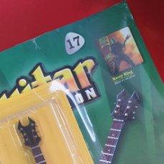 Instrumentos musicales: GUITARRA-COLECCIONISTA-KERRY KING-TAMAÑO-VER FOTOS-COLECCIONABLE-SALVAT-CLASICO-CON FASCICULO. Lote 219962258