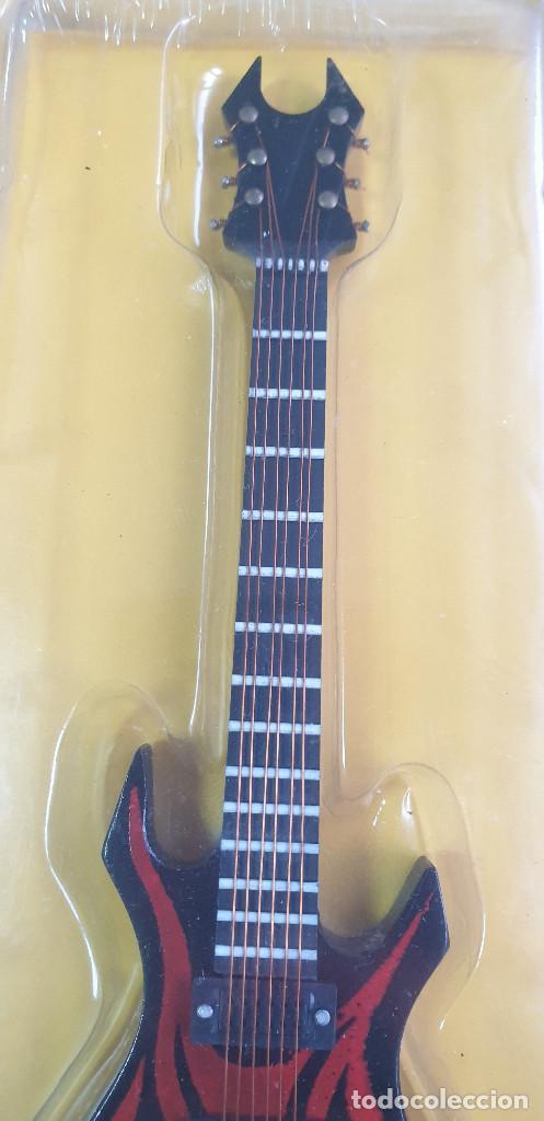 Instrumentos musicales: GUITARRA-COLECCIONISTA-KERRY KING-TAMAÑO-VER FOTOS-COLECCIONABLE-SALVAT-CLASICO-CON FASCICULO - Foto 3 - 219962258
